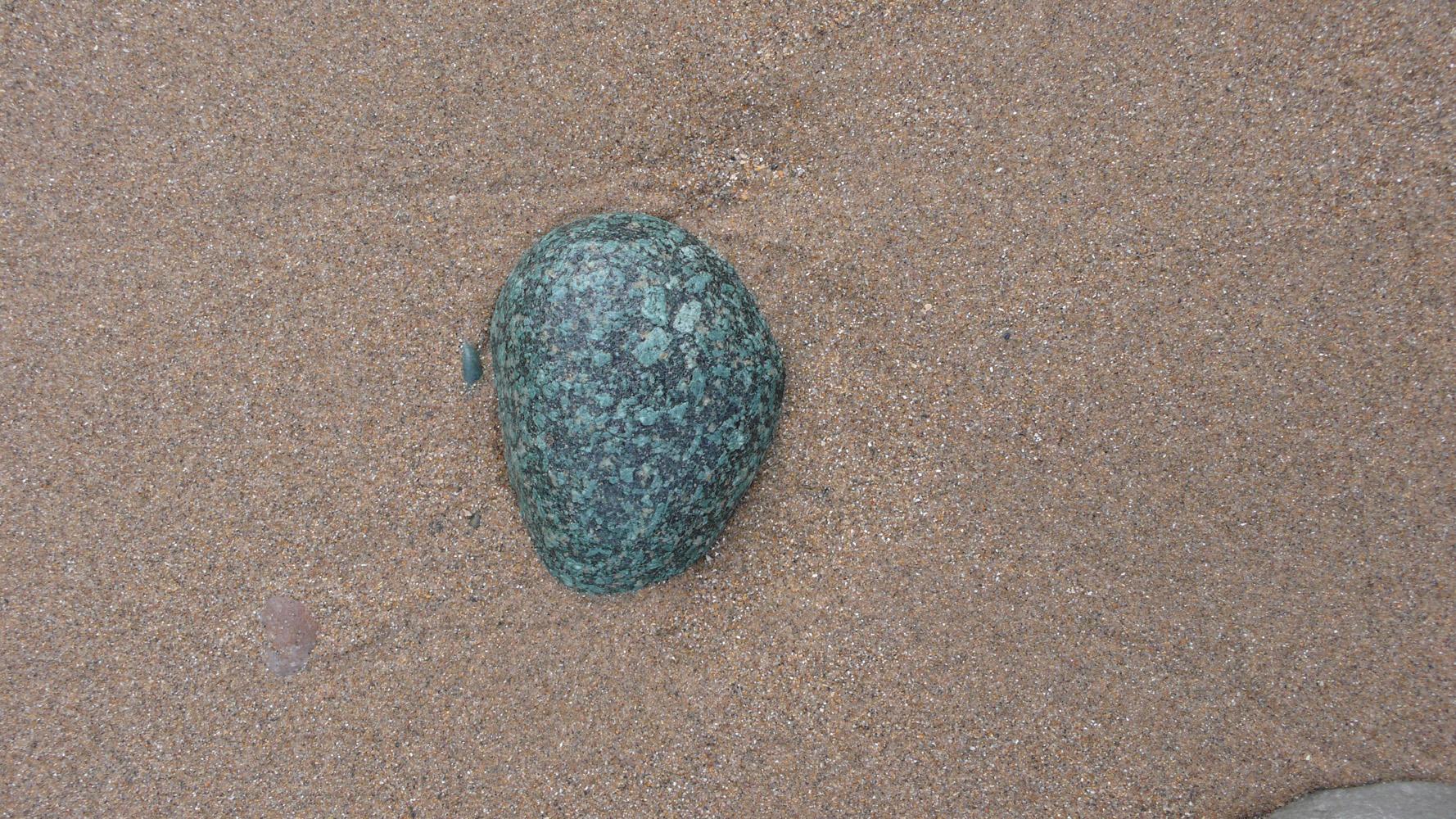 Green-granite-Nefyn-Deborah-Treliving-contemporary-British-artist